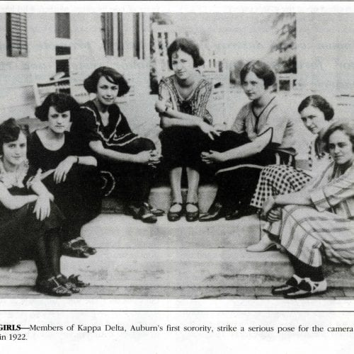 Kappa Delta sorority sisters pose for a picture in 1922.