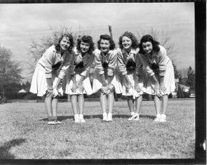 Auburn women sorority squat