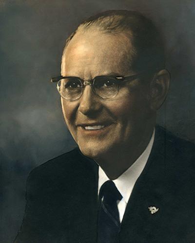 Roy B Sewell '22