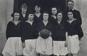 1920 female basketball team