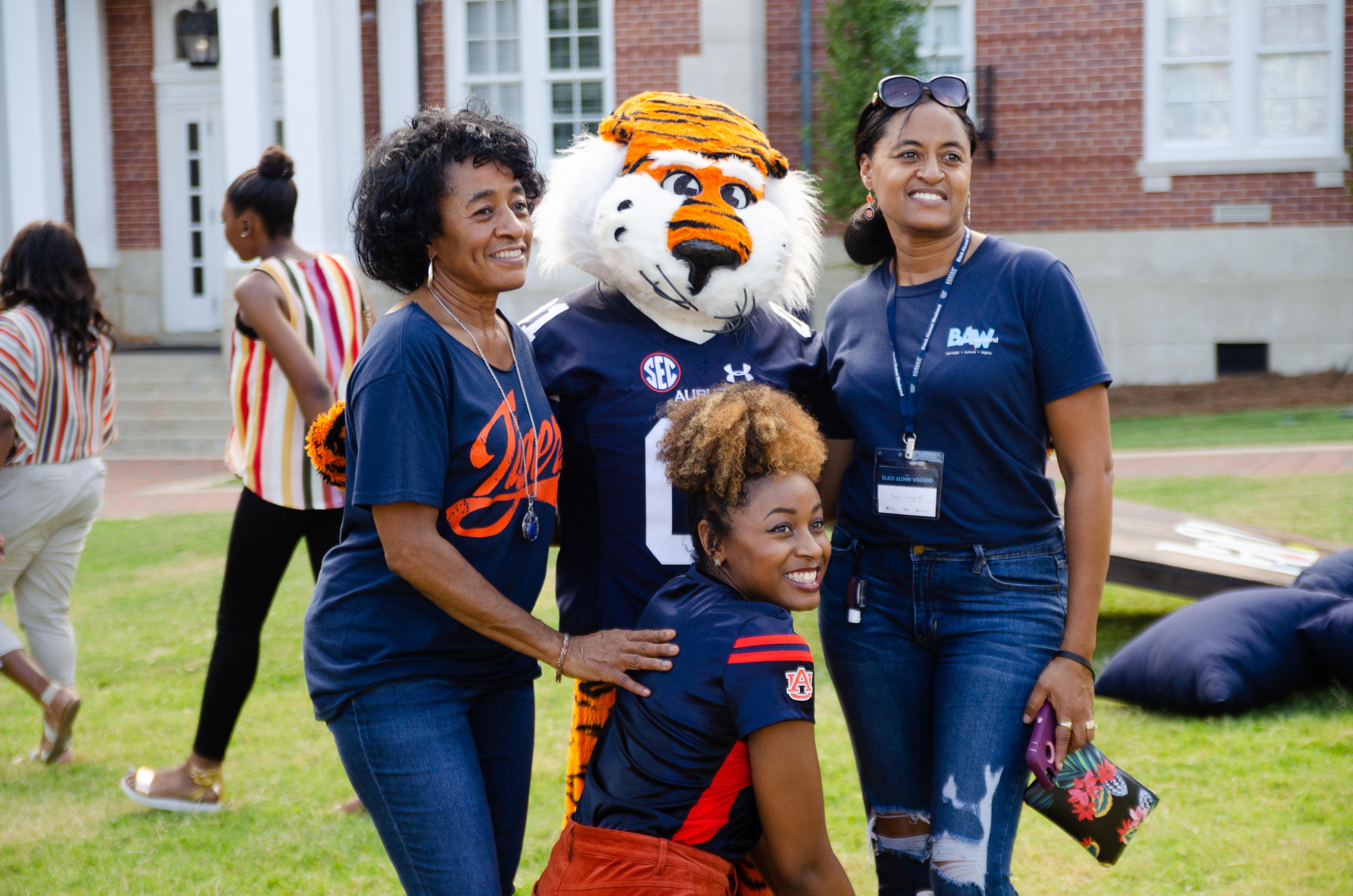 Black Alumni Weekend - tailgate