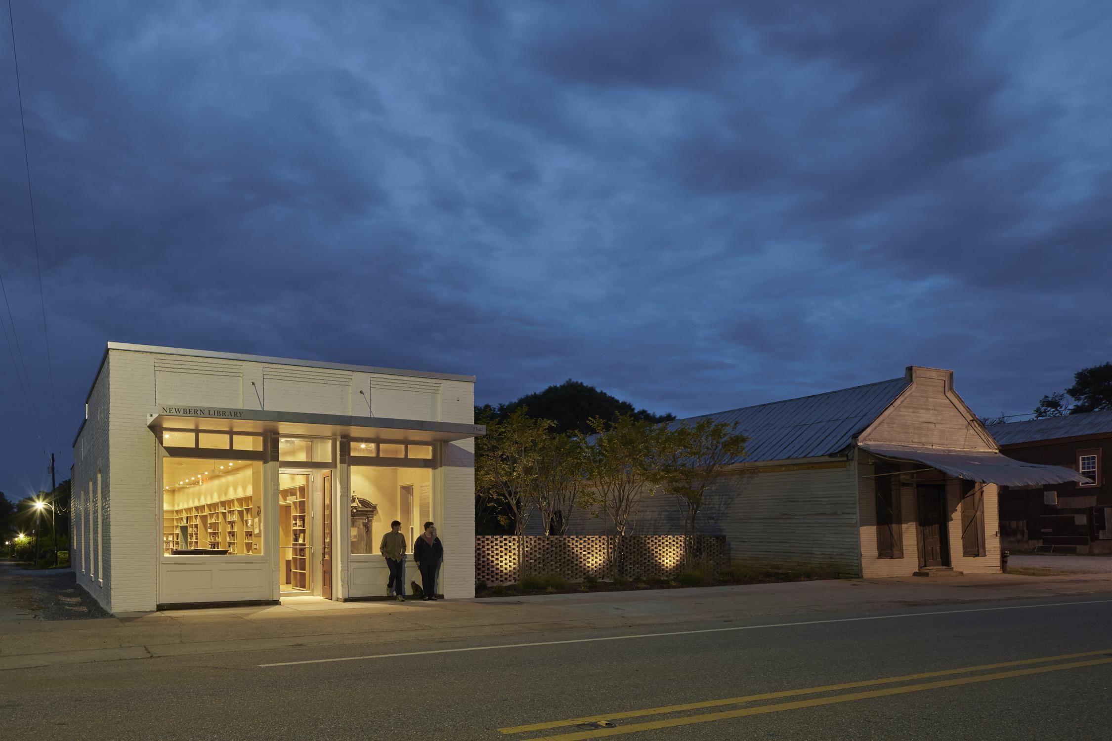 Newbern Library exterior