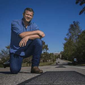 Tim Arnold with musical road
