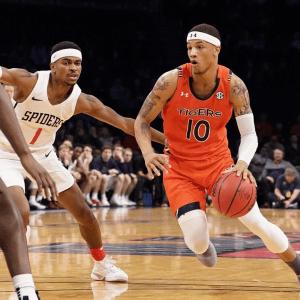 Auburn Among College Basketball's Last Unbeaten Teams