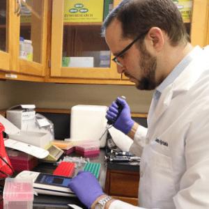 Auburn Virologist to Test SARS-CoV-2 Vaccine Candidates