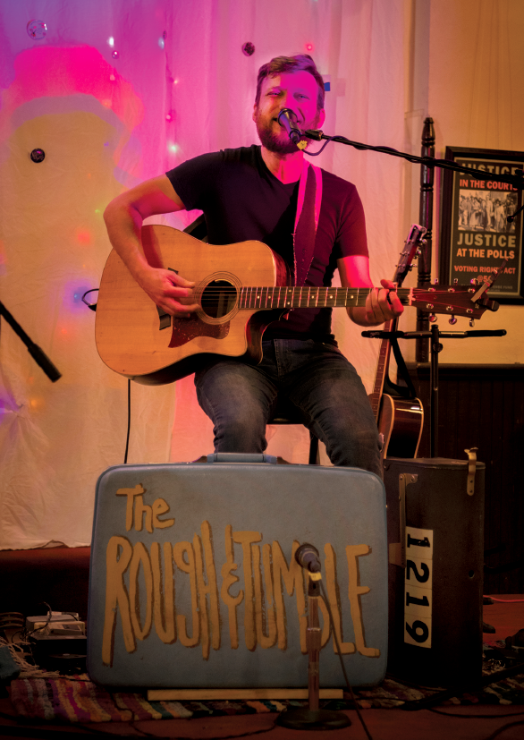"""The self-described """"thrift store-Americana"""" duo, The Rough and Tumble, perform at Sundilla on Jan. 10, 2020."""