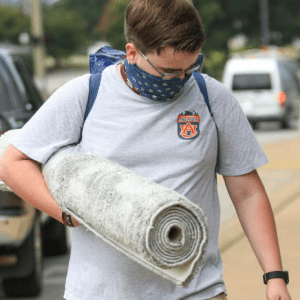 Photo of a student moving into Auburn