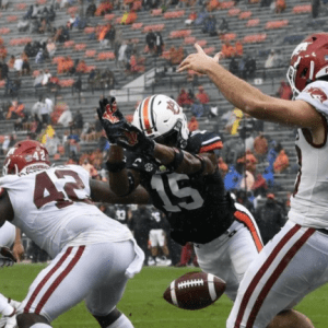 Unlikely Duo Team Up on First Auburn Touchdown against Arkansas