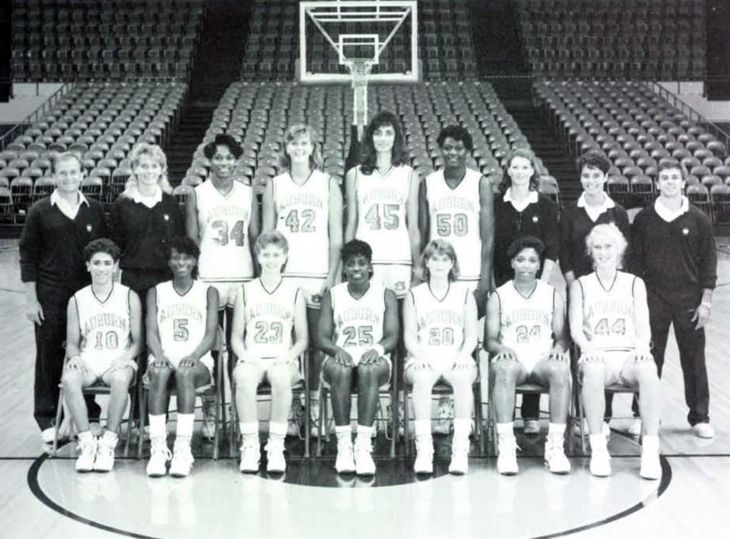 McCallie with the 1991 Auburn Women's Basketball Team