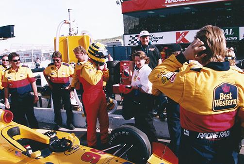Patterson (center) with the Sam Schmidt team in Las Vegas, 2001