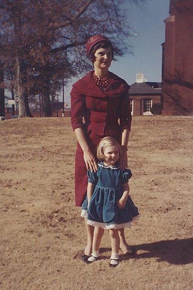 Leslie with her mother Elizabeth Hooton '74