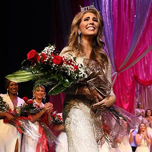 Miss Alabama on stage